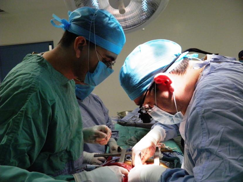 Dr. Ochoa (left) & Dr. Vasquez (right)